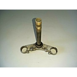 PIASTRA FORCELLA INFERIORE TRIANGOLO YAMAHA TW 200 1999 2003 2004